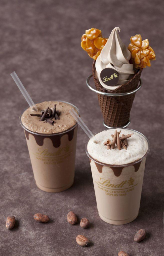 チョコレートドリンクとソフトクリームショコラ