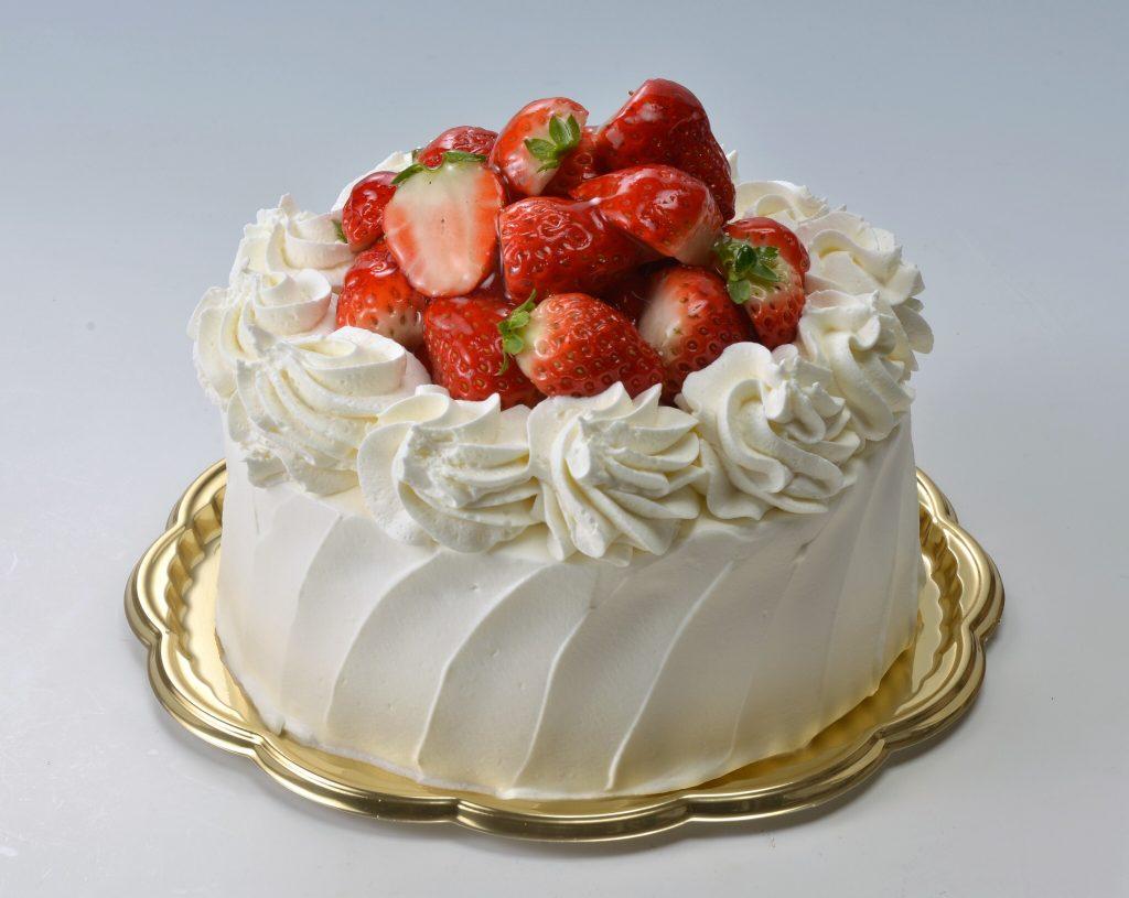 イチゴ狩りのような山盛りイチゴのケーキ