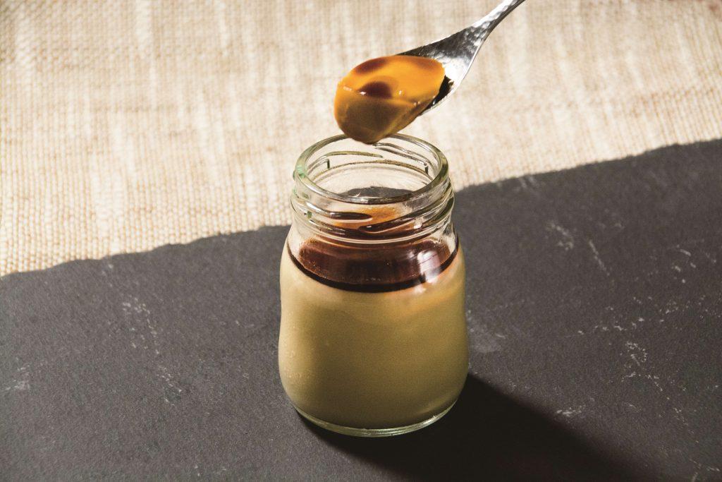 岡田製糖所様の阿波和三盆糖100%使用。「阿波和三盆ぷりん」
