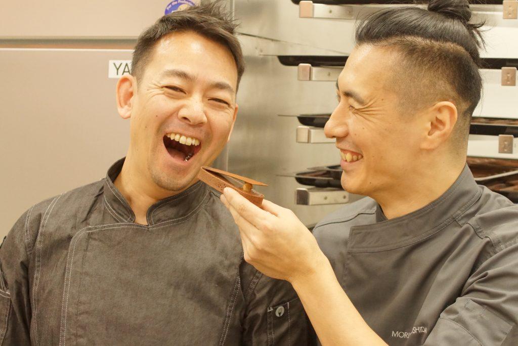 「MORI YOSHIDA(モリ ヨシダ)」の吉田シェフと、神戸「コンパルティール ヴァロール」の大西シェフ